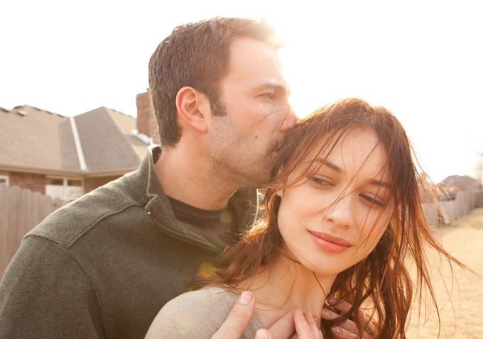 Neil (Ben Affleck) and Marina (Olga Kurylenko) get serious about love