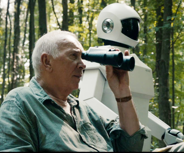 Frank (Frank Langella) and his trusty robot friend (voiced by Peter Sarsgaard) eye up an opportunity