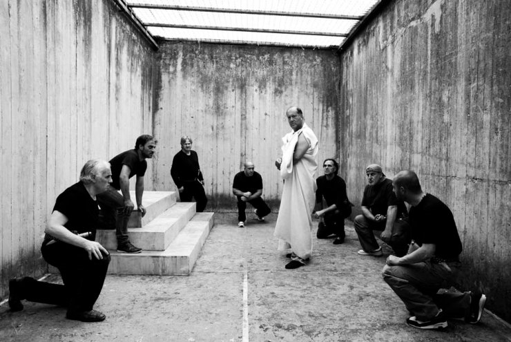 The inmates of an Italian prison rehearse