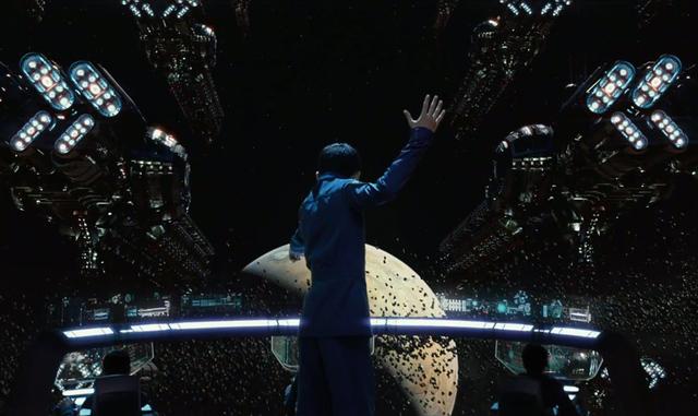 Ender Wiggin (Asa Butterfield) plays war games in space