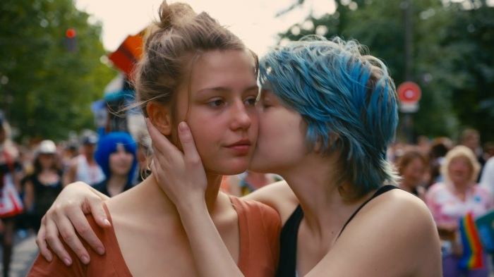 Adele (Adele Exarchopolous) and Emma (Léa Seydoux) are drawn together